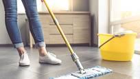 Pravidelný úklid čeká všechny podlahy