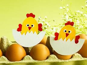 Velikonoční kuře z papíru poslouží jako dekorace nebo přáníčko.