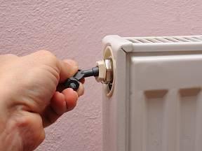 Odvzdušnění radiátoru bychom měli věnovat pravidelnou pozornost.