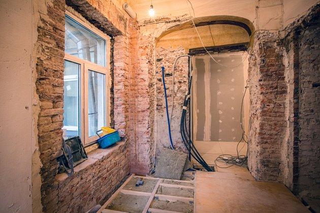 Budete zasahovat do nosných částí domu? Pak budete potřebovat stavební povolení.