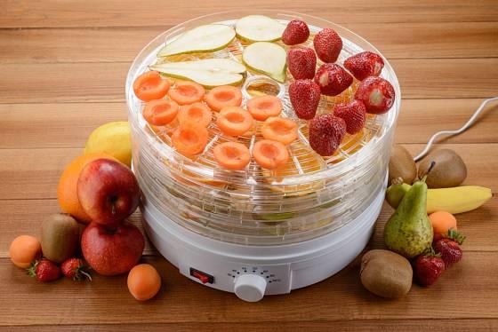 elektrické sušičce potravin můžeme sušit různé druhy ovoce.