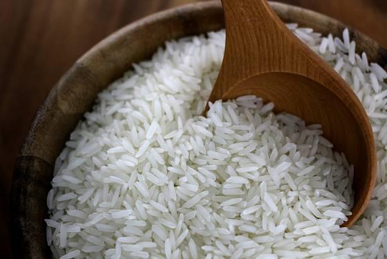 Jasmínová dlouhozrnná rýže je zvláště voňavá.