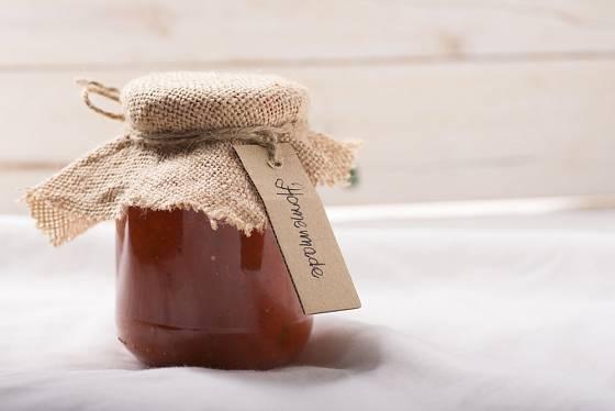 Domácí kečup může být i skvělý dárek.