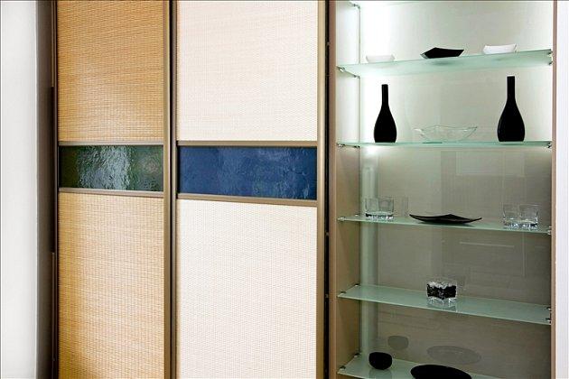 Bambusová vestavěná skříň