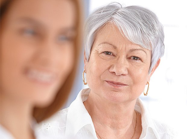 zákalky ve sklivci jsou obtěžující příznak stárnutí