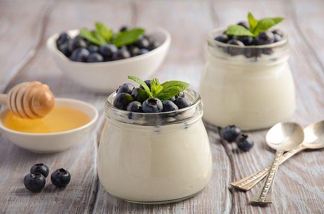 Jogurt se zdravým ovocem, ideální kombinace