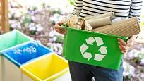 Nádoby na tříděný odpad mohou být praktické i elegantní.