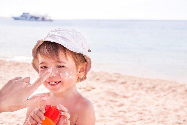 Domácí opalovací krém je vhodný pro citlivou pokožku dětí