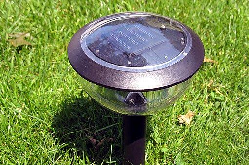 solární zahradní lampa