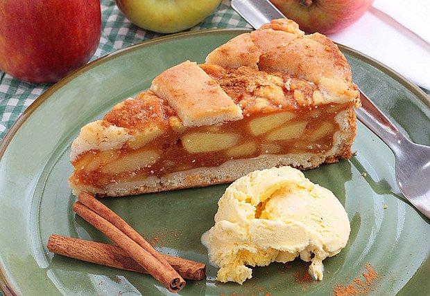 Osvěžující pudinkový dort z jablek