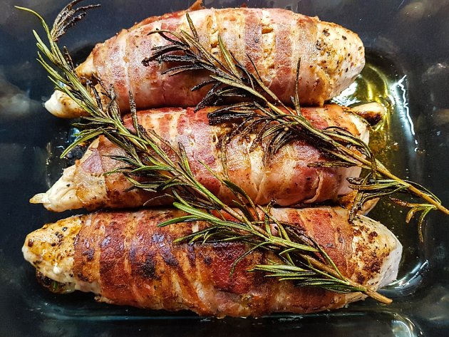 Kuřecí prsa zabalená do slaniny