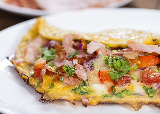 Pórková omeleta se šunkou a sýrem