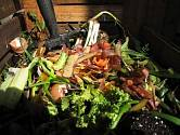 Myslete na to, že na kompost patří jen odpad, který mu prospěje.