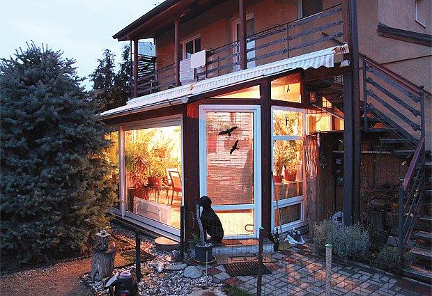Zimní zahrada byla zbudována na letní terase přístupné z domu