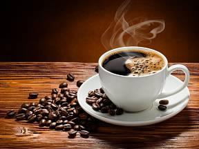 Není pochyb, že lidé milují kávu. Nebo alespoň její kofein