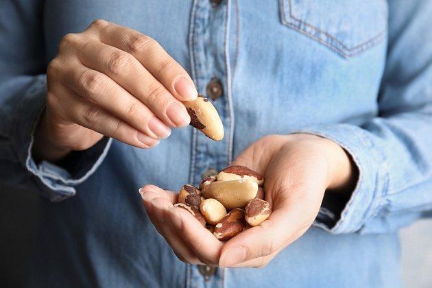 Brazilské ořechy jsou nabité vlákninou a bílkovinami, které jsou pro hubnutí nezbytné. Kromě