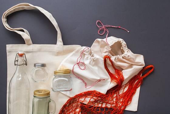 Výbava k zero waste nákupu