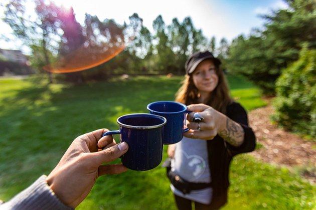 S čajem je podle studie spojována jiná skupina lidí, než s kávou