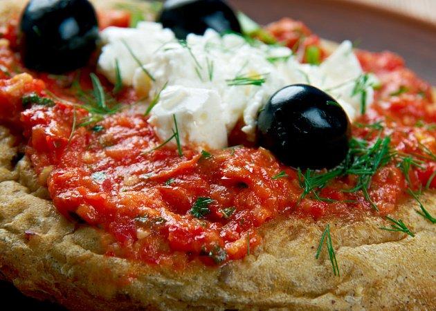 Rajčata, olivy... to je klasika řecké kuchyně.