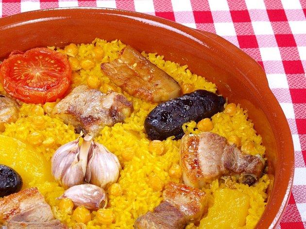 Rýže je buď přílohou, nebo dominantou celého pokrmu, jako je tomu u paely