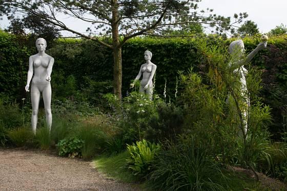 Dekorace v podobě soch je nepřehlédnutelná