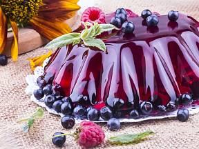 Ostružiny a borůvky želé krásně obarví a levandule ovoní.