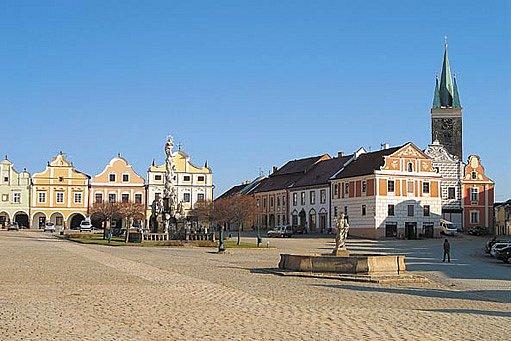 V historických částech města musíte fasádu konzultovat s památkáři