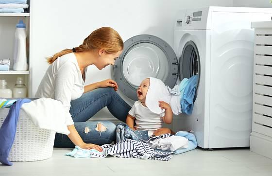 Na prádlo pro nejmenší volte šetrné prostředky