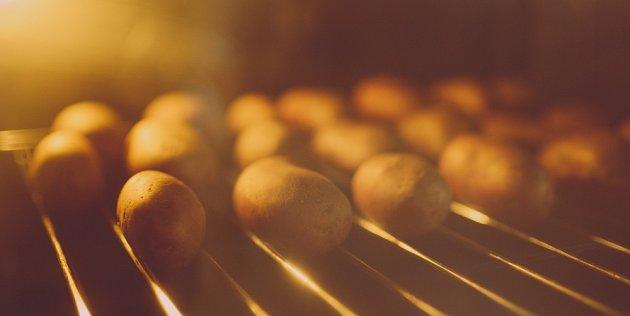 Brambory není dobré ohřívat, proto je po uvaření raději udržujme teplé