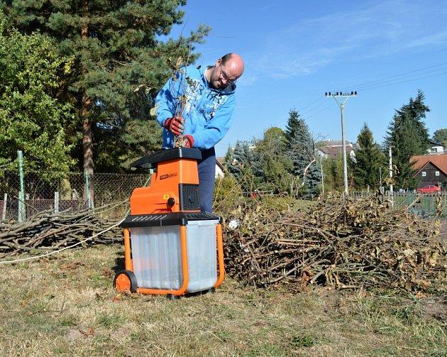 Štěpkovač je ideální dárek pro pěstitele stromků a keřů