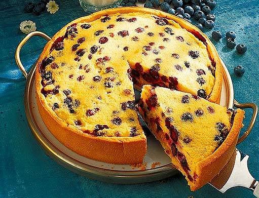 Borůvkový koláč s krupicovou náplní