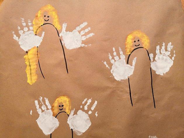 Andělíčci z otisku ruky