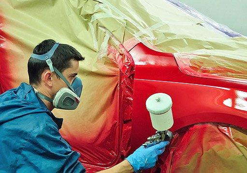 stříkání karoserie auta