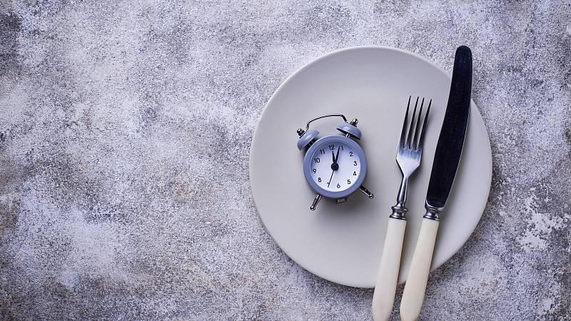 Seznamte se s různými verzemi přerušovaného hladovění.