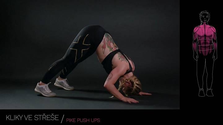 Kliky ve střeše / pike push ups