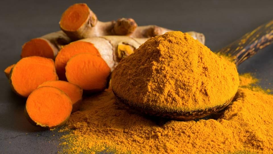 Kurkuma pomůže s trávením nebo hubnutím