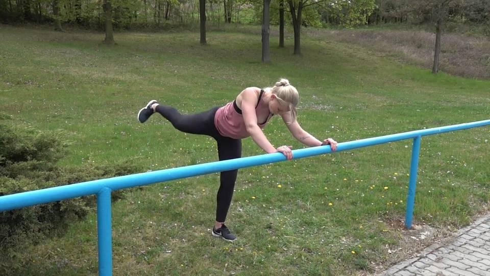 Cvičení se zábradlím 2
