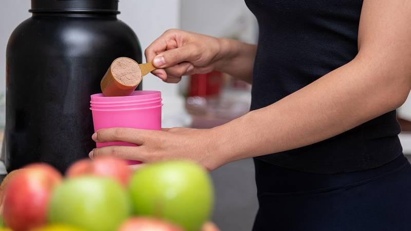 4 potravinové doplňky, které byste měli mít u sebe doma