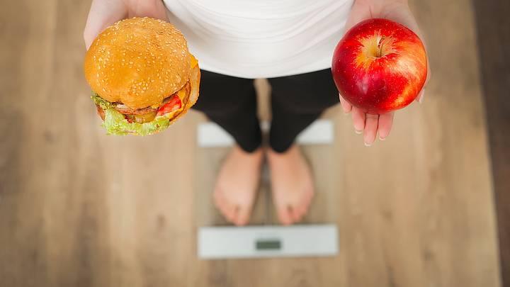Chcete zhubnout? Začněte od hlavy