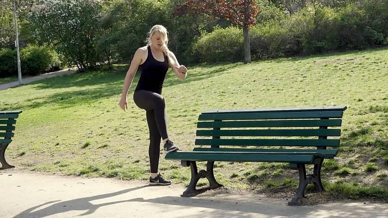 Alena Vídeňská: Cvičení na laviččce