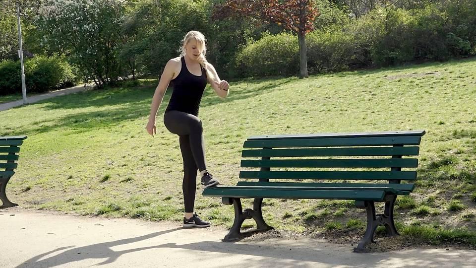 Cvičení na lavičce 1