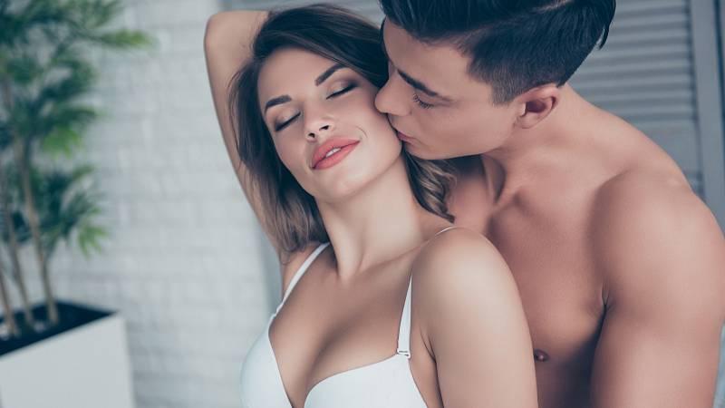 Na rozdíl od mužů mají ženy schopnost udržet si při milování zvýšenou míru vzrušení, aniž by hned dosáhly vyvrcholení.