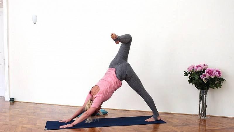 Veronika Carmanová, jógová sekvence