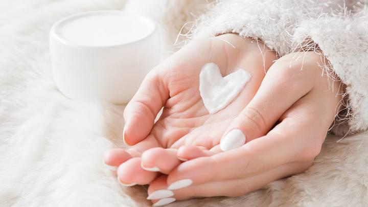 Chraňte své ruce před mrazem hutnou zimní mastí