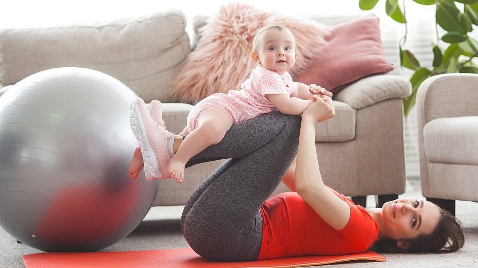 Návrat po porodu ke cvičení? Můžete si i ublížit
