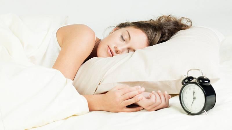 Spánek a hubnutí