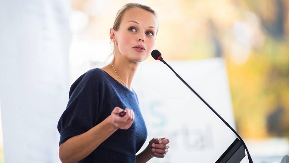 6 kroků, které spolehlivě zaženou strach z prezentování