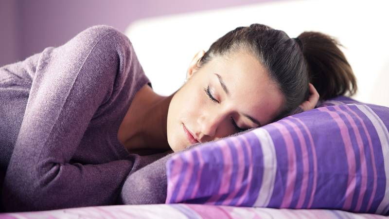 jak souvisí spánek a hubnutí