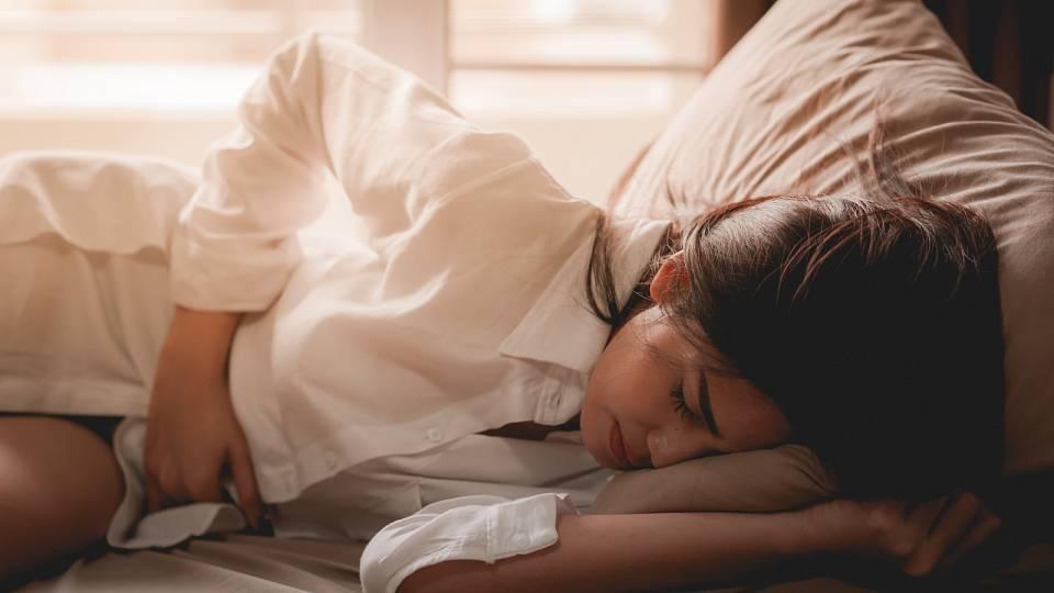 Menstruační bolesti a síla pohybu pro zmírnění křečí