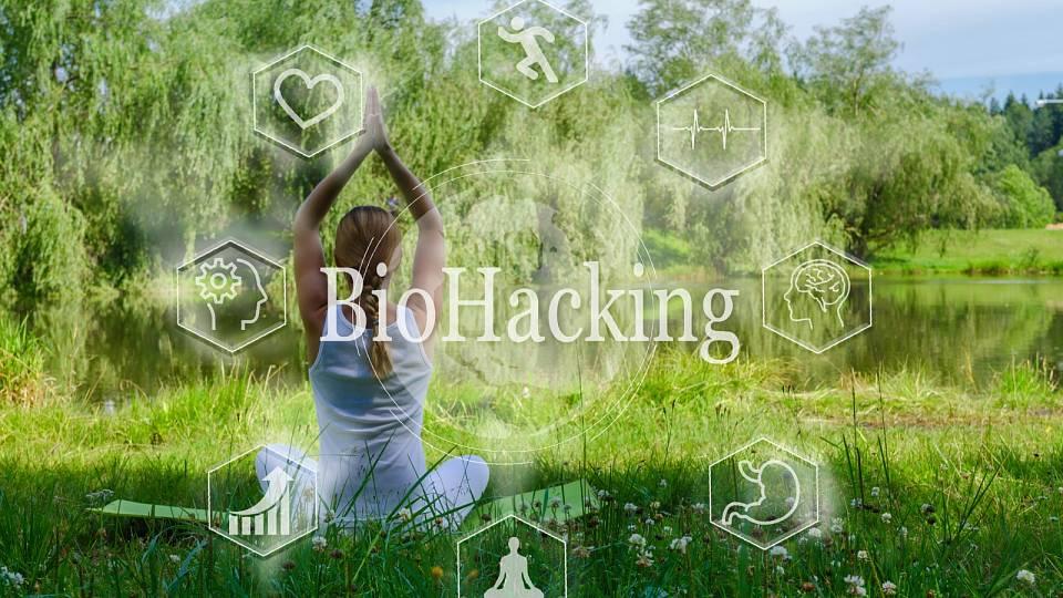 BIOHACKING 1. díl: Drobné a prospěšné rituály pro zdraví